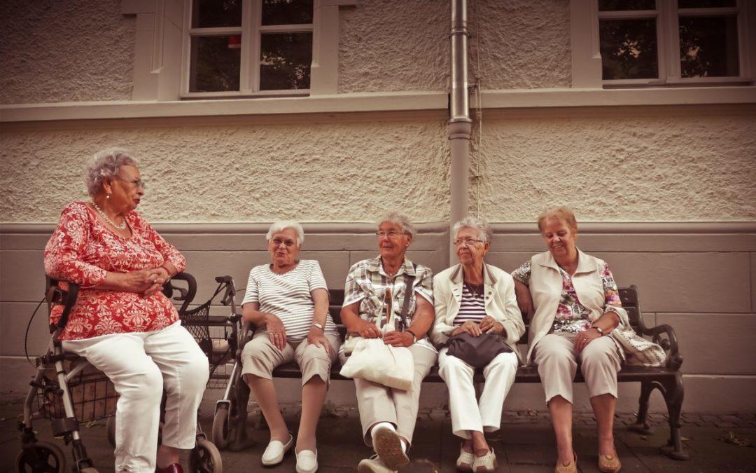 Opinie: 'Stop leeftijdsdiscriminatie en geef ouderen een internationaal mensenrechtenverdrag'