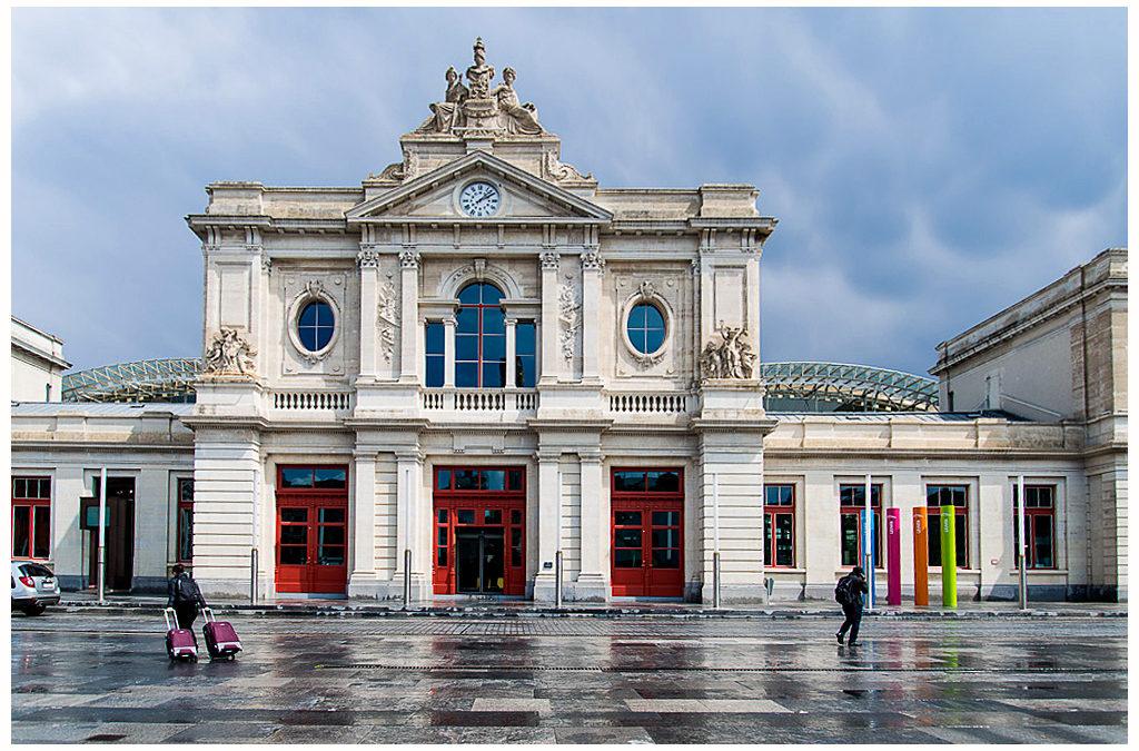 Roltrappen en deuren van liften in station Leuven aan dringende vervanging toe